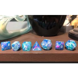 FESTIVE WATERLILY/WHITE 7-DICE SET